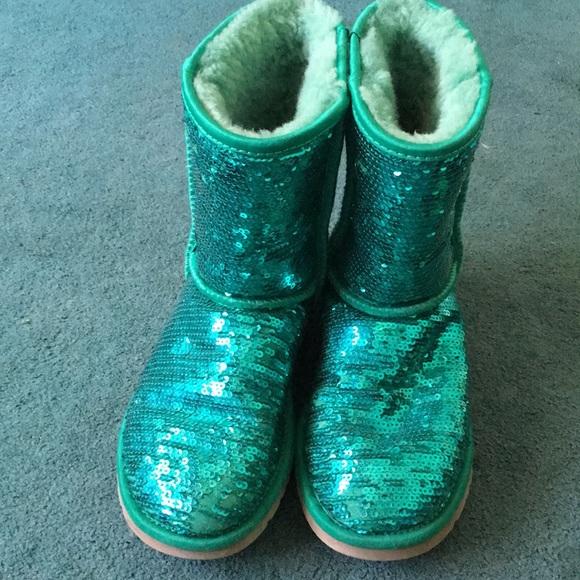 7e3192e4dd1 Ugh Green Sparkle boots